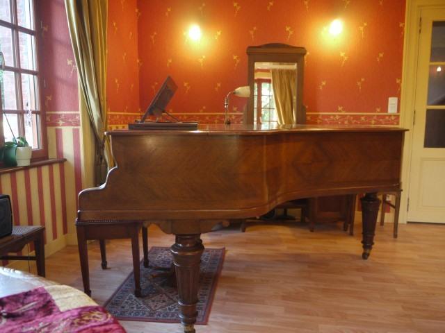 Salon de musique 7 Small Prestigious Normandy Property
