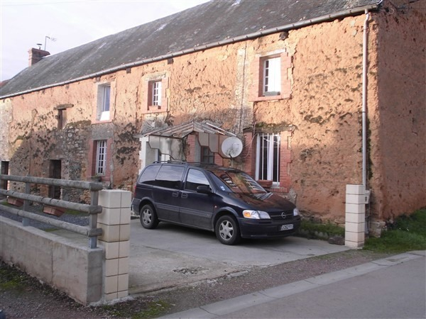 Normandy – cheap house needs finishing
