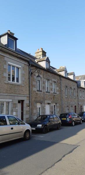 Town house near shops