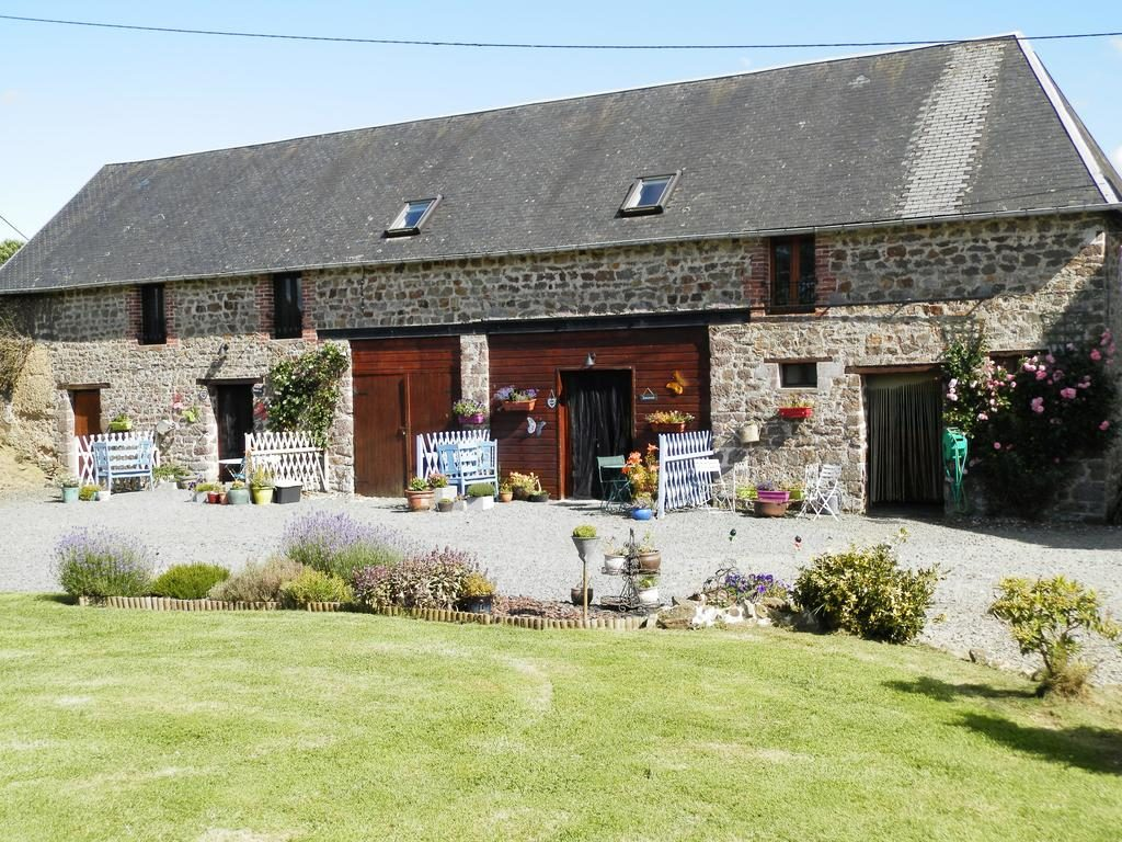 La maison sans soucis House hunting accommodation Normandy