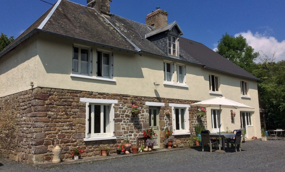 accommodation house hunting Normandy