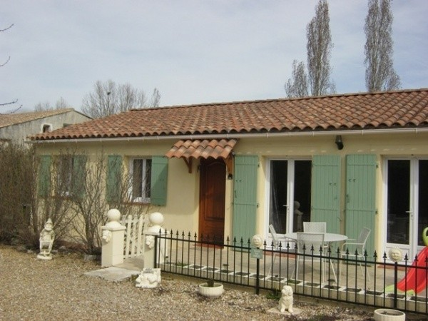 Single storey Provencal property