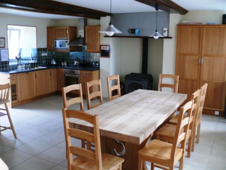 Farmhouse Kitchen House with pool