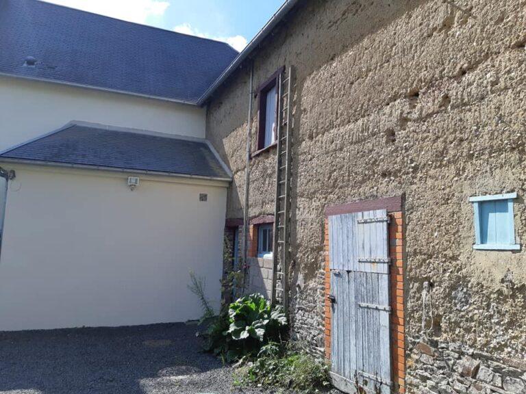 Normandy home with barn near seaside