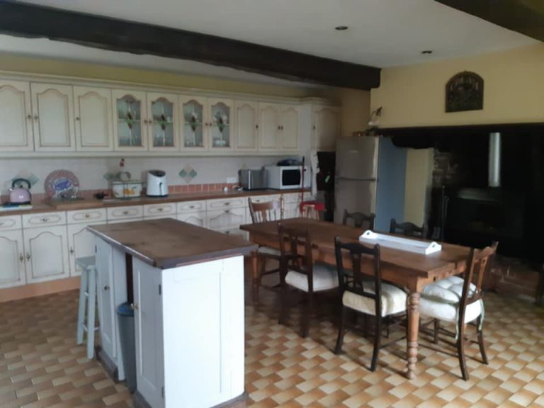 150669148 10224803623348834 7275532505537061135 n Normandy 5 bed detached
