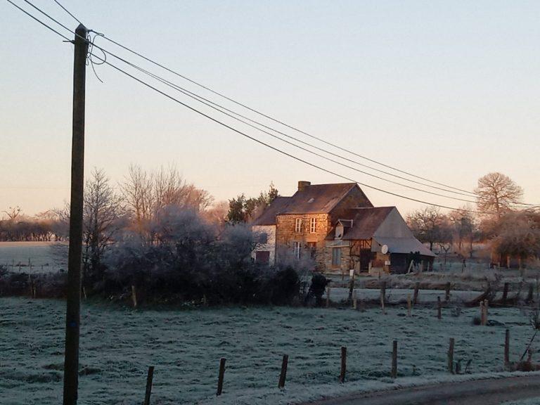 PHOTO 2021 01 01 14 48 47 Detached stone cottage Barenton