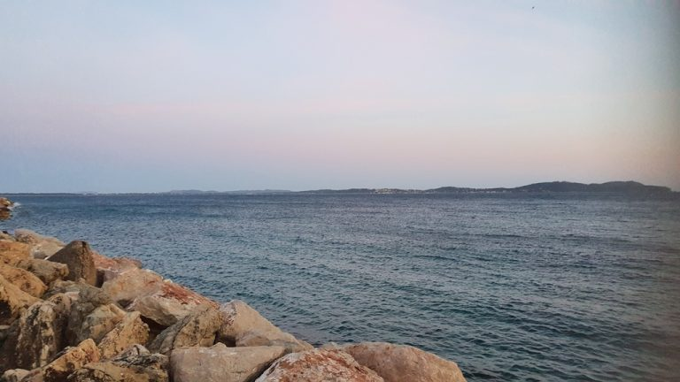 20210313 184607 Provencal appartment with sea views
