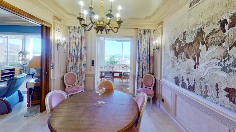 Dining Room Provencal appartment with sea views