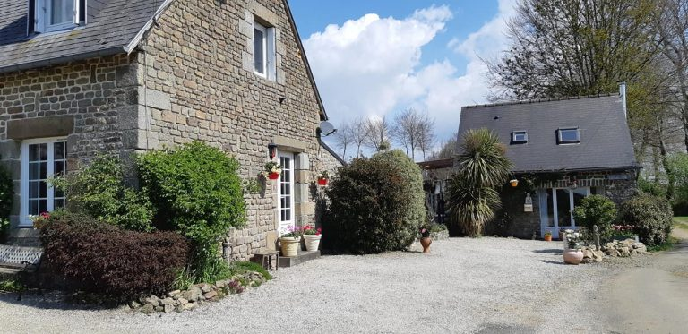 180180485 10225322072269733 8772240806369734347 n 1 Stone house with gite in Normandy
