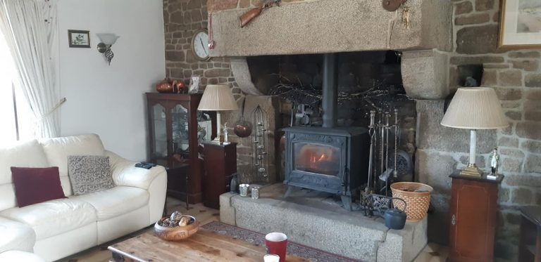 181130150 10225322711165705 6156602351095744943 n Stone house with gite in Normandy