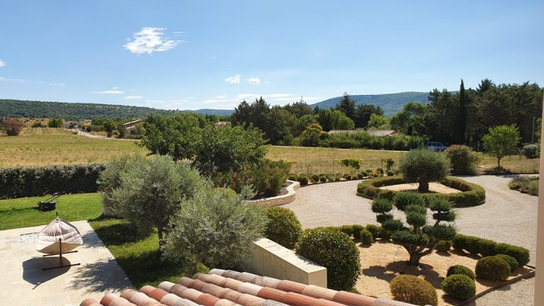 20210806 113626 Copy Provencal property with mountain views