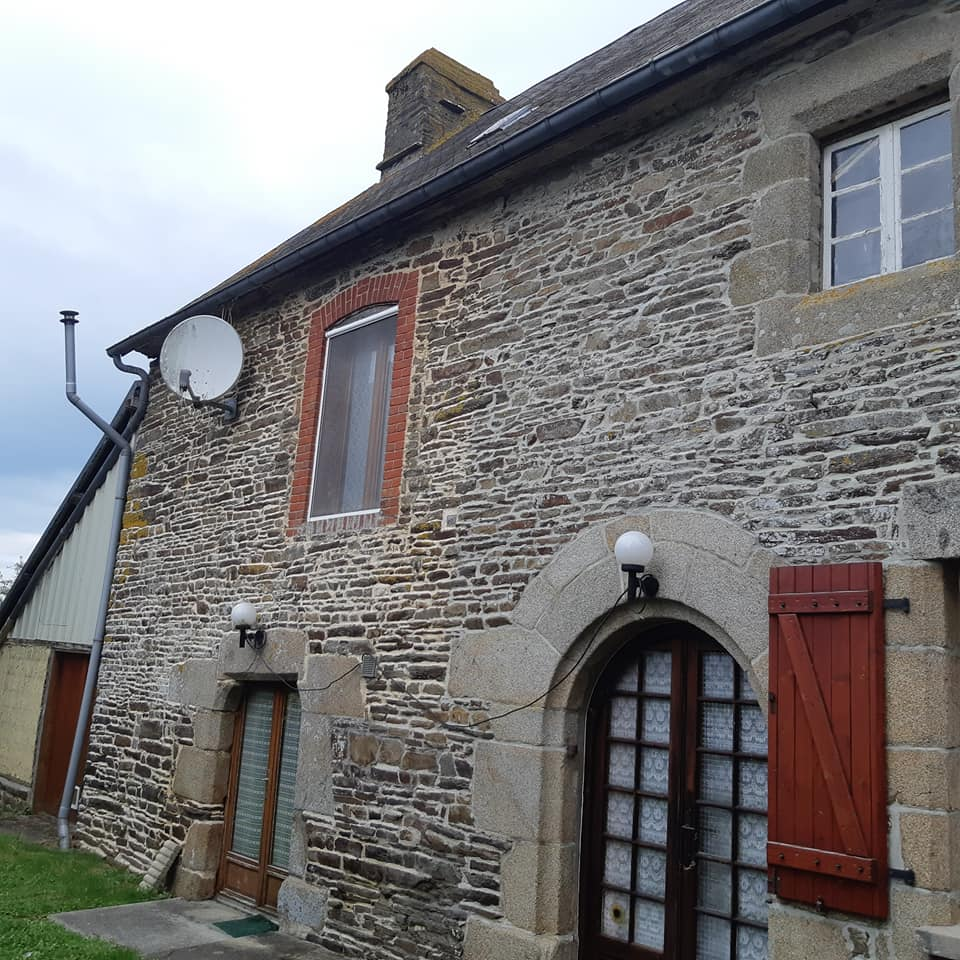 242158142 10226144062858984 2093141475795496897 n Country home in Normandy
