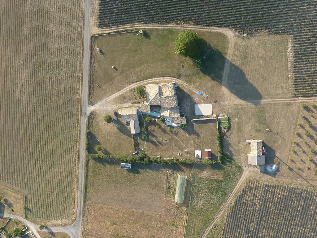 VUE AERIENNE FOUENT CREMA JUILLET 2010 1 2 18th Century Provencal farm